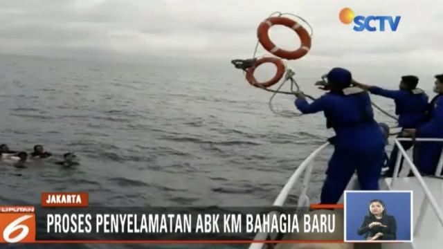 Tim SAR gabungan cari satu anak buah kapal yang jadi korban kebakaran KM Bahagia Baru.