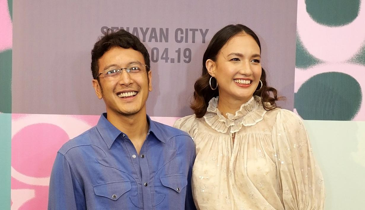 Nadine Chandrawinata dan Dimas Anggara. (Bambang E Ros/© Fimela.com)