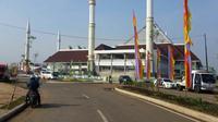 Presiden Jokowi dijadwalkan meresmikan masjid raya KH Hasyim Asyari di Daan Mogot, Jakarta Barat. (Liputan6.com/Putu Merta Surya Putra)
