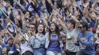 Bobotoh Persib saat pertandingan melawan Arema FC pada laga persahabatan di Stadion GBLA, Bandung, Minggu (18/3/2018). Persib menang 2-1 atas Arema. (Bola.com/M Iqbal Ichsan)