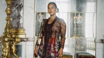 7 Pesona Tara Basro Pakai Kebaya di Istana Versailles Prancis, Elegan