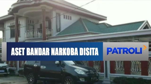 Selain itu, petugas juga mendapati sejumlah lahan dan bangunan di Tembilahan, Riau serta sembilan unit kapal penumpang.