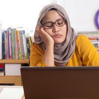 Tips mengatasi kantuk saat puasa./Copyright shutterstock.com
