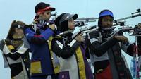 Cabor menembak di Asian Games 2018. (Bola.com/Riskha Prasetya)