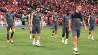 Pemain Arsenal berlatih menjelang laga kontra PSG pada ICC 2018, Jumat (28/7/2018) di Stadion Nasional, Singapura. (Bola.com/Wiwig Prayugi)