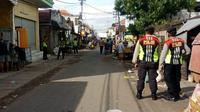 Pasar PPI Gresik, Surabaya, Jawa Timur tutup sementara untuk cegah penyebaran corona covid-19. (Foto: Liputan6.com/Dian Kurniawan)