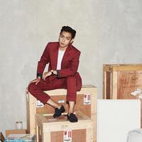 Pemilik nama asli Choi Seung Hyun ini tak sadarkan diri selama dua hari dan kabarnya kini sudah kembali sadar dan diperbolehkan pulang. Meskipun hal ini belum dinyatakan secara resmi oleh pihak T.O.P sendiri. (Instagram/choi_seung_hyun_tttop)