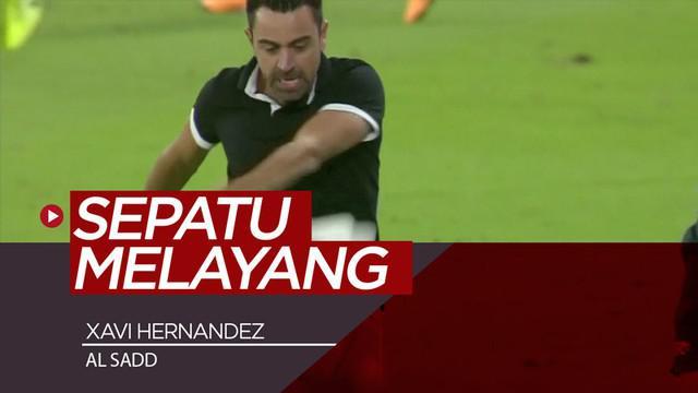 Berita video momen legenda Barcelona, Xavi Hernandez, kesal saat protes sampai sepatunya melayang ketika menjadi pelatih klub UEA, Al Sadd, di Liga Champions Asia, Selasa (6/8/2019).
