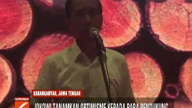 Kepada para relawan yang terdiri dari para pengusaha dan pekerja di bidang perkayuan dan mebel ini, Jokowi menanamkan optimisme.