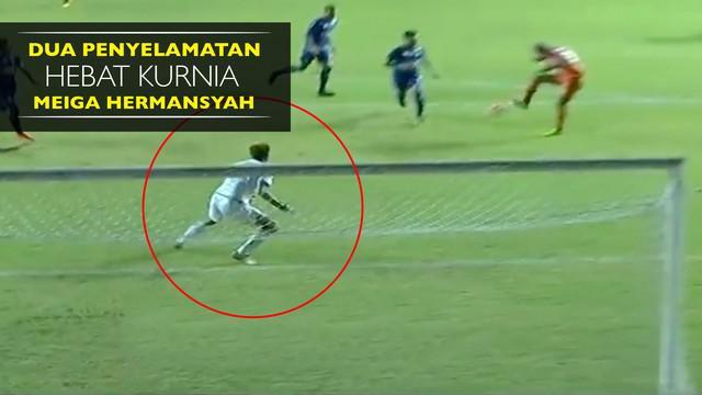 Kurnia Meiga melakukan double save saat Arema FC mengalahkan PBFC dengan skor 5-1 di final Piala Presiden 2017