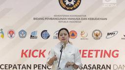 Menko PMK Puan Maharani memimpin Kick Off Meeting Percepatan Pencapaian Sasaran dan Target Bidang Pembangunan Manusia dan Kebudayaan 2019 di Jakarta, Senin (11/2). Rapat dihadiri sejumlah menteri terkait. (Liputan6.com/Faizal Fanani)