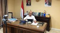 Menko PMK Muhadjir Effendy menyatakan bahwa Presiden telah menyetujui untuk mengirimkan bantuan sosial kepada WNI yang ada di Malaysia saat teleconference Selasa (31/3/2020). (Dok Kementerian Koordinator Bidang Pembangunan Manusia dan Kebudayaan)