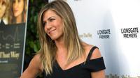 Jennifer Aniston akhirnya bereaksi dengan kabar kisah cintanya yang kembali bersemi dengan sang mantan, Brad Pitt (AP Photo)