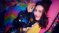Jeon Somi rilis singe debut solo, Birthday (Soompi)