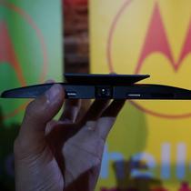 Projector Mods, Insta-Share dari Motorola yang siap menemani pengguna menonton film layaknya layar lebar (Liputan6.com/Agustin Setyo W)