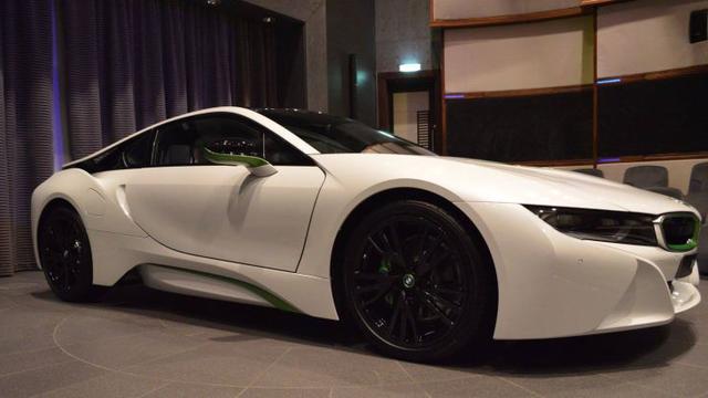Demi Juragan Arab Bmw Pasarkan I8 Dengan Warna Khusus Otomotif
