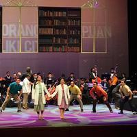 Kisah cinta Bacharuddin Jusuf Habibie dengan Hasri Ainun Besari dalam Opera Ainun yang dipentaskan pada 25 Mei 2017 di Theater Jakarta, TIM. (Opera Ainun Inc)
