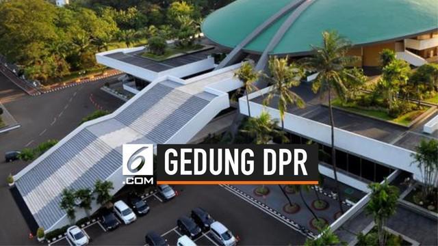 Warganet menjual gedung DPR beserta isinya di beberapa toko online. Harga yang ditawarkan beragam mulai dari Rp 1 hingga Rp 1.500.