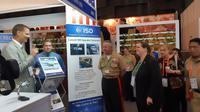 Wakil Duta Besar Amerika Serikat untuk Indonesia, Heather Variava dan Deputi Komandan Korps Marinir AS Wilayah Pasifik (USMC Forces Pacific), Brigjen (Mar) Robert Sofge di Indo Defence 2018 Expo & Forum (Rizki Akbar Hasan / Liputan6.com)