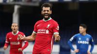 Di posisi 3-5 ditempati oleh gelandang Liverpool, Mohamed Salah. Total pemain asal Mesir ini telah membuat 31 gol dan assist di semua ajang, menyamai dua kompetitornya, Raheem Sterling (Manchester City) dan Son Heung-Min (Tottenham Hotspur). (AFP/Catherine Ivill/Pool)