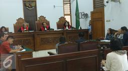 Suasana sidang perceraian Cathy Sharon dan  Eka Kusuma di Pengadilan Negeri Jakarta Selatan, Senin (7/3/2016). Cathy dan Eka menikah pada April 2012 dan dikarunia dua orang anak. (Liputan6.com/Herman Zakharia)