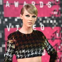 """""""Aku pikir menjomblo beberapa tahun merupakan hal yang sehat. Hal itu dikarenakan kamu perlu mengetahui siapa dirimu."""" - Taylor Swift. (JASON MERRITT  GETTY IMAGES NORTH AMERICA  AFP)"""