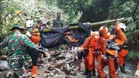 Jenazah Timothy ditemukan dekat air terjun, sungai kecil sebelum Daerah Aliran Sungai (DAS) Sawangan, Kabupaten Minahasa Utara.