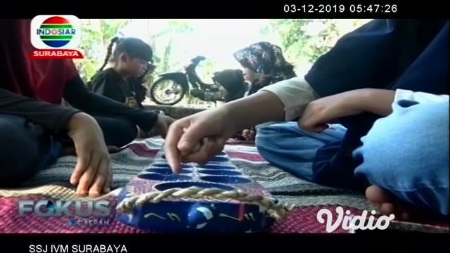 Bermula dari keresahannya melihat anak-anak maupun remaja bermain gadget, membuat warga di Sidoarjo, Jawa Timur mendirikan kampung lali atau lupa gadget.