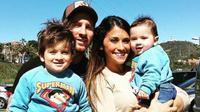 Lionel Messi dan keluarganya berlibur ke Disneyland (Foto: Istimewa)