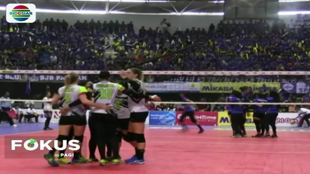 Setelah melalui pertandingan panjang selama empat bulan, tim putri Jakarta Pertamina Energi dan tim putra Surabaya Bhayangkara Samator akhirnya berhasil menjadi juara kompetisi bola voli Proliga tahun 2018.