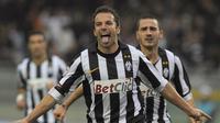 2. Alessandro Del Piero. Striker kelahiran 9 November 1974 ini selama berkiprah di Liga Champions telah mencetak 44 gol untuk 1 klub yang dibelanya, Juventus. Bersama Juventus meraih 1 trofi Liga Champions, yaitu pada musim 1995/1996. (AFP/Olivier Morin)
