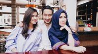Syahnaz Sadiqah dan Jeje Govinda bersama Amy Qanita [foto: instagram/syahnazs]