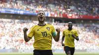 Pemain Eden Hazard mencetak gol lewat titik putih ke gawang Tunisia pada menit ke 6' pada laga grup G Piala Dunia 2018 di Spartak Stadium, Moskow, Rusia, (23/6/2018). Belgia menang 5-2. (AP/Matthias Schrader)