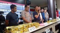 Penangkapan pengedar narkoba antar provinsi di Palembang Sumsel (Liputan6.com / Nefri Inge)