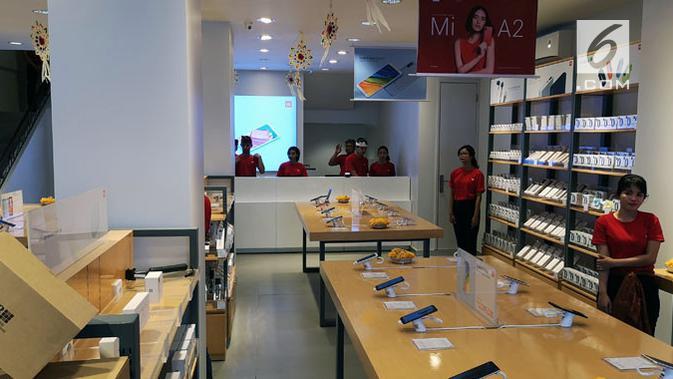 Suasana di dalam Mi Store di Bali. Liputan6.com/ Yuslianson