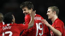 Gerard Pique. Bek tengah ini didatangkan Manchester United dari tim yunior Barcelona pada musim 2004/2005. Total 4 musim ia hanya mencetak 2 gol dalam 23 laga karena kalah bersaing dengan Rio Ferdinand dan Nemanja Vidic. Ia kembali ke Barcelona pada 2008/2009. (Foto: AFP/Andrew Yates)
