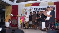 Kab. Klungkung sosialisasi Empat Pilar MPR RI lewat kolaborasi tradisi Prembon dengan penyanyi Bali. (foto: dok. MPR RI)