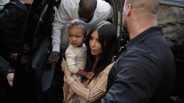 [Bintang] Kim Kardashian - North West