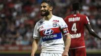 Penyerang Olympique Lyon, Nabil Fekir jadi incaran Liverpool di musim panas ini. (PHILIPPE DESMAZES / AFP)