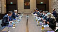 Dalam kunjungan kerjanya ke Frankfurt, Jerman, Menteri Investasi/Kepala Badan Koordinasi Penanaman Modal (BKPM) Bahlil Lahadalia melakukan pertemuan langsung dengan BASF (dok: @bahlillahadalia)
