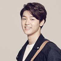Kang Min Hyuk salah satu anggota band CNBLUE membuat netizen geram akan tingkah lakunya. Minhyuk mendapat kitikan pedas dari netizen setelah dirinya mengunggah foto jam tangan super mewah di instagramnya. (Soompi)