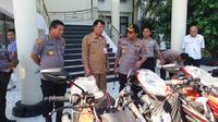 Pemprov Sulut hibahkan puluhan motor untuk pengamanan Pemilu 2019 (Liputan6.com/ Yoseph Ikanubun)