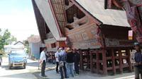 Kelebihan Desa Wisata Meat adalah bisa menjadi homestay. Pengunjung akan merasakan sensasi menginap di rumah adat khas Batak.