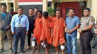 Tiga dari empat pelaku pembobol minimarket di Kota Palembang ditangkap anggota Polda Sumsel (Liputan6.com / Nefri Inge)