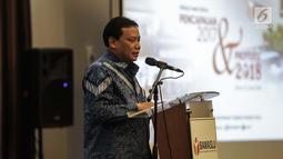 """Ketua Bawaslu Abhan memberi sambutan dalam acara diskusi awal tahun bertajuk """"Pencapaian 2017 dan Proyeksi 2018"""" di Jakarta, Kamis (25/1). Sebanyak 65 ditemukan sebagai pelanggaran kode etik dan 156 perundang-undangan. (Liputan6.com/Faizal Fanani)"""