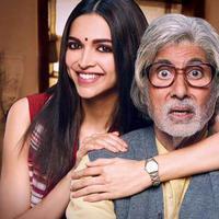 Amitabh Bachchan dan Deepika Padukone. Foto: via bollywoodlife.com