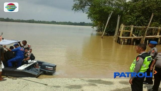 Tim gabungan TNI, Polri, dan BPBD berupaya mencari Wakapolres Labuhanbatu Kompol Andi Chandra yang hilang saat kapal cepat tenggelam di  Perairan Desa Silumut, Panaitengah.