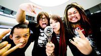 Ryo-kun, gitaris band Jepang Maximum The Hormone dirawat di rumah sakit setelah menderita meningitis.