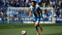 Winger Espanyol, Wu Lei, mencetak satu gol sekaligus membantu timnya menang 2-0 atas CSKA Moscow pada laga kedua Grup H Liga Europa, di VEB Arena, Kamis (3/10/2019) malam WIB. (AFP/Josep Lago)