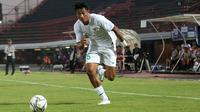 Penyerang Timnas Indonesia U-19, Serdy Ephy Fano Boky. (Bola.com/Aditya Wany)